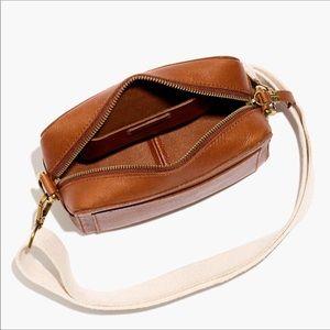 {Madewell} Transport Camera Bag in English Saddle